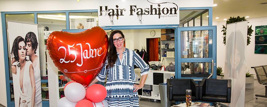 """Am zweiten Mai 2019 feierte Frisörmeisterin Ingrid Kuckertz in Ihrem Frisörsalon """"Hair Fashion"""" im Dormagener Krankenhaus ihr 25 jähriges Jubiläum."""