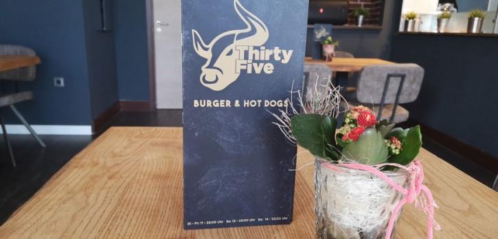 Die besten Hot Dogs in Hilden? Gibt's bei Thirtyfive Burger