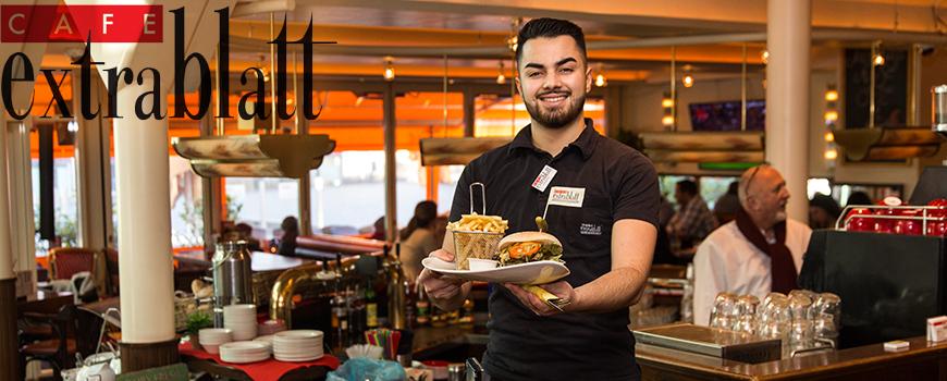 Café Extrablatt serviert jetzt leckere Burger, Waffeln und Kuchen