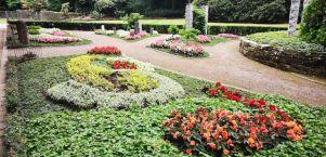 Besinnliches Umfeld des Gedenkens: Memoriam-Garten in Solingen Ohligs