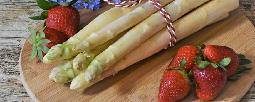 Wie kocht Ihr Spargel? Genießt Ihr schon die ersten, frischen Erdbeeren?