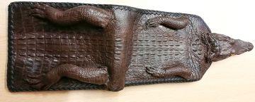 Zoll beschlagnahmt Krokodil-Geldbörse