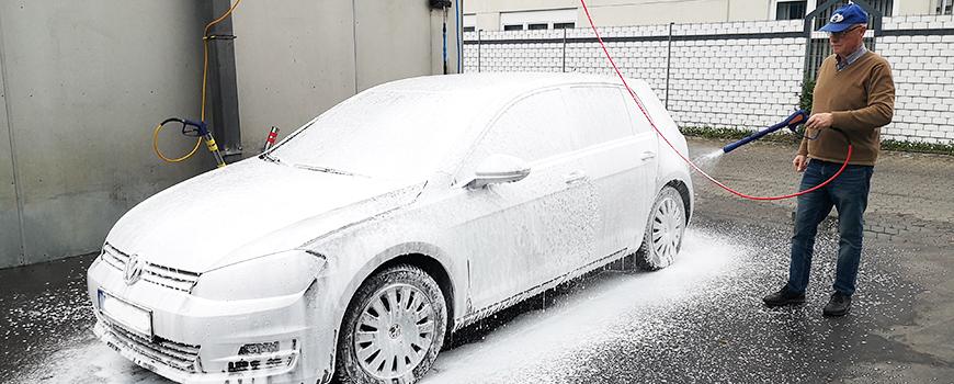 Jäckels Waschpark Rheinland: Perfekte Autopflege mit dem neuen Powerschaum