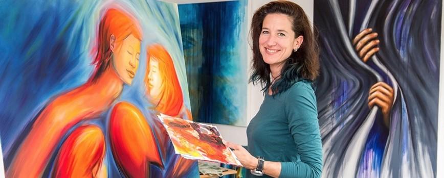 """Die Ausstellung """"worth it"""" von Corinna Watterlohn belebt unsere Selbstreflexion"""