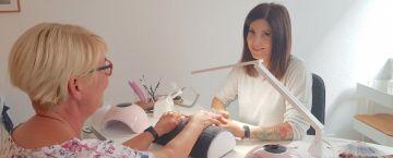 Nani Beauty sorgt für den perfekter Look bei Nägeln und Wimpern
