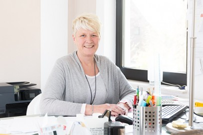 Silvia Hellwig bietet Seniorenbetreuung an