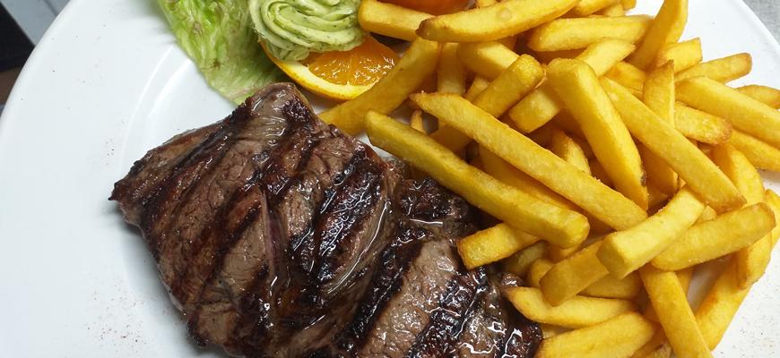 Red-Lava-Steakhaus-Hilden-Filet-PommesL9GbrSEAA1Yj6