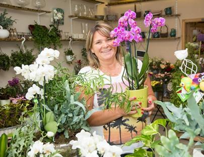 Marias Blumenwelt macht wunderschöne Gestecke