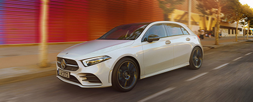Mercedes Jüntgen präsentiert die neue A-Klasse