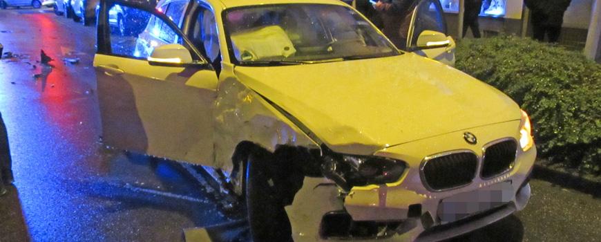 Zwei Verletzte bei Verkehrsunfall am Fritz-Gressard-Platz