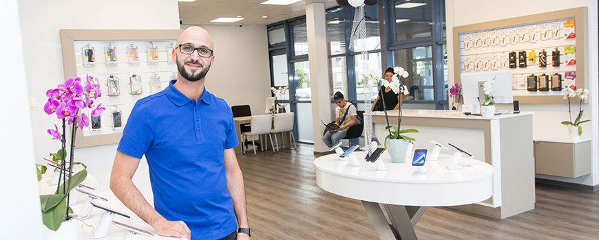 Mobilfunkfachhandel Langenfeld: PhoneWorld am Marktplatz