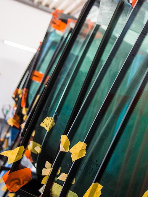 junited Autoglas Langenfeld hat immer ein großes Sortiment an Scheiben vorrätig