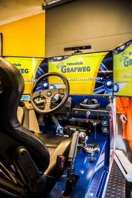 Fahrschule Grafweg - Fahrschule Langenfeld - Fahrsimulator Langenfeld