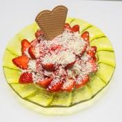 Spaghetti-Erdbeer-Eis