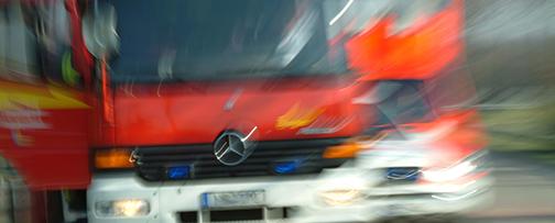 Zwei Fahrzeuge in Brand gesteckt