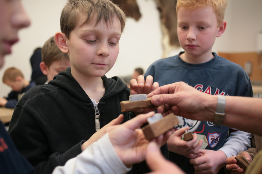 Steinzeitmesser-Neanderthal-Museum-Ferienworkshop