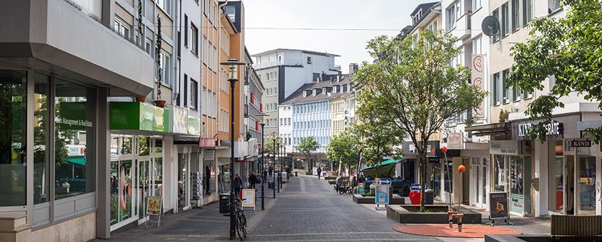 Auch in Solingen Mitte gibt es allerhand Adressen zum Einkaufen und stöbern. Welche genau Du an der Hauptstraße finden kannst, erfährst Du hier.