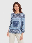 Bluse im Alloverdesign in Blau