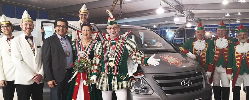 Autohaus Hilden: Schiefer stellt Prinzenpaar Hyundai H1 zur Verfügung