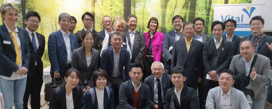 Gesundheitsexperten aus Japan besuchen das Sanitätshaus Vital in Hilden